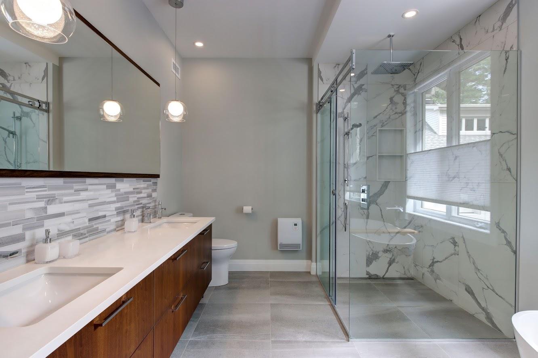 vanité de salle de bain et douche